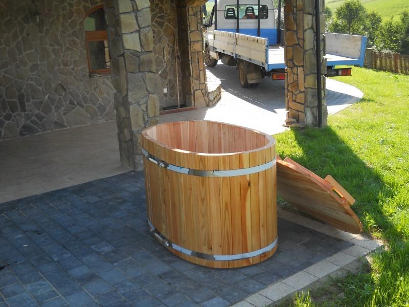 Bania ogrodowa do schładzania wykonana z drewna modrzewiowego