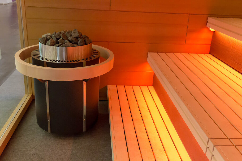 Piece do sauny opalane drewnem i elektryczne