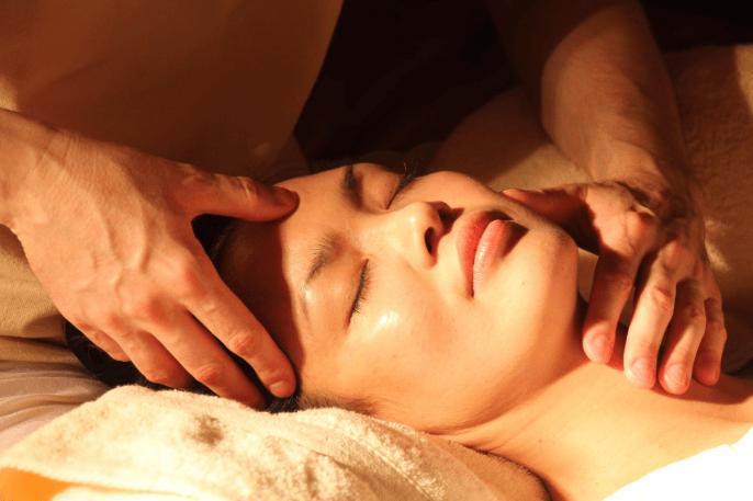 Masaż pielęgnująco-kosmetyczny