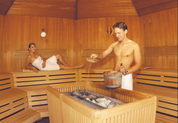 Romantyczny wieczór w saunie