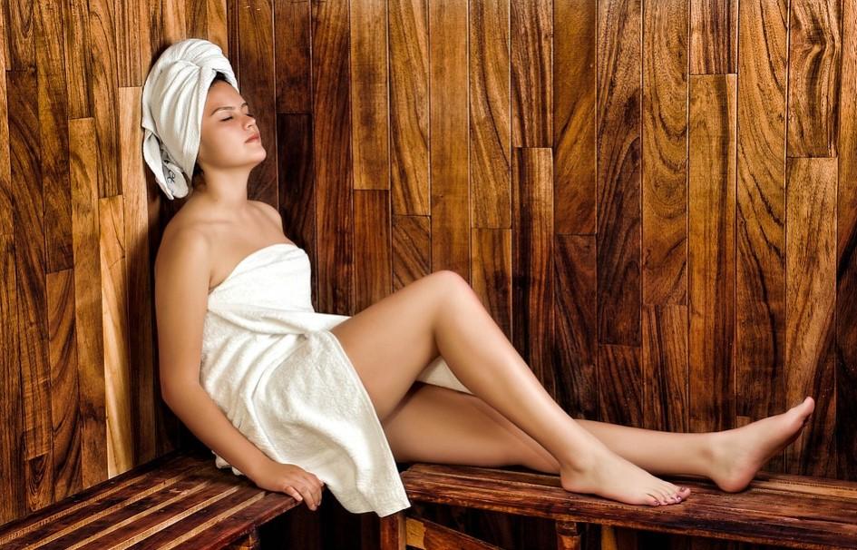 Relaks w saunie wewnętrznej Klara