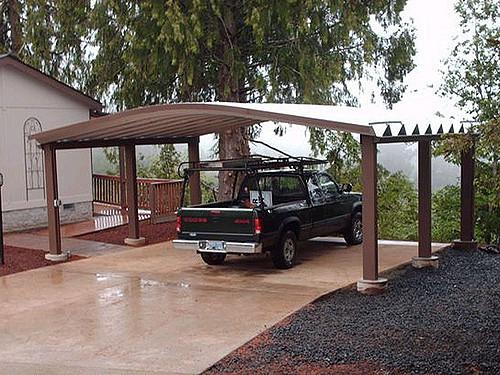 Nowoczesna, drewniana wiata garażowa