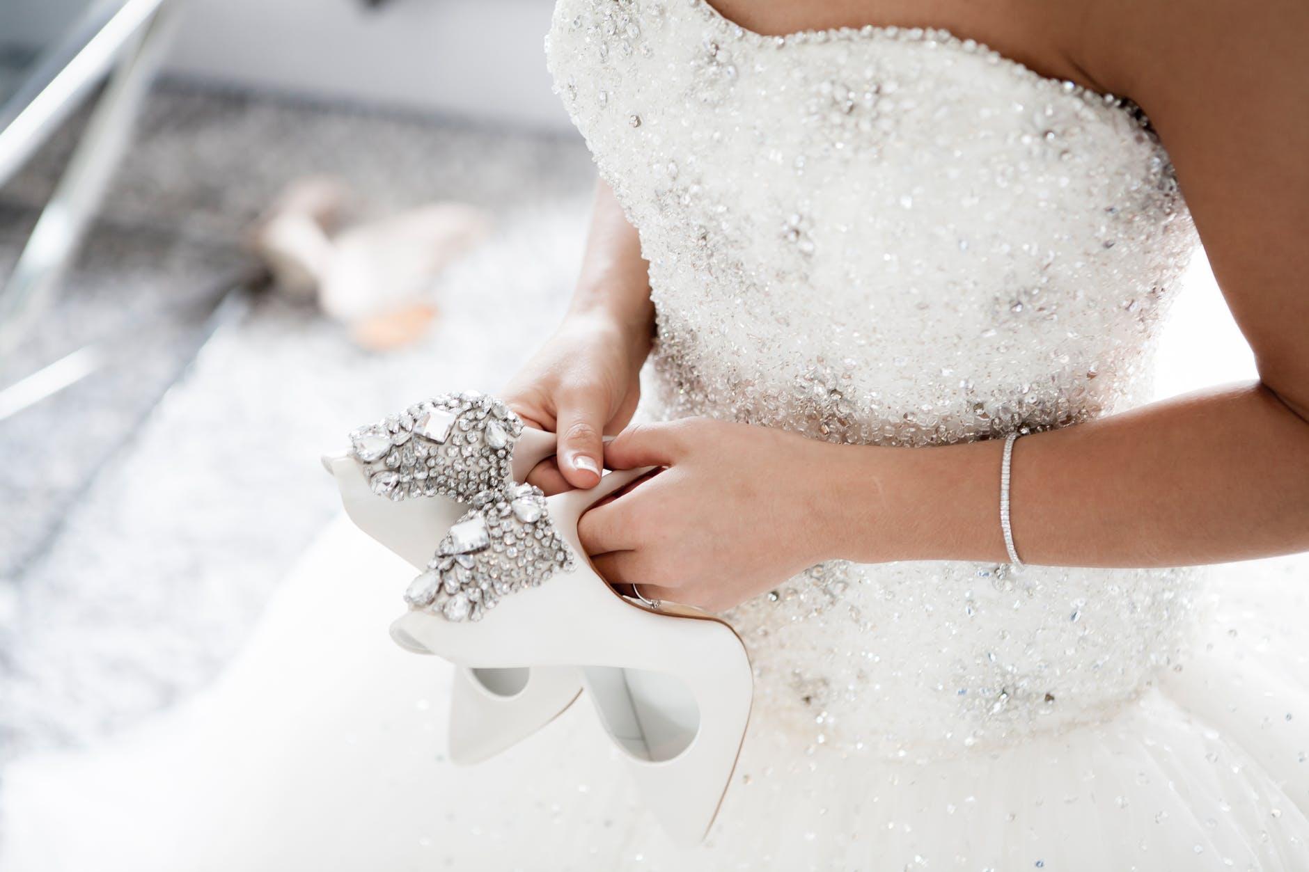Koszty sukni ślubnej i dodatków