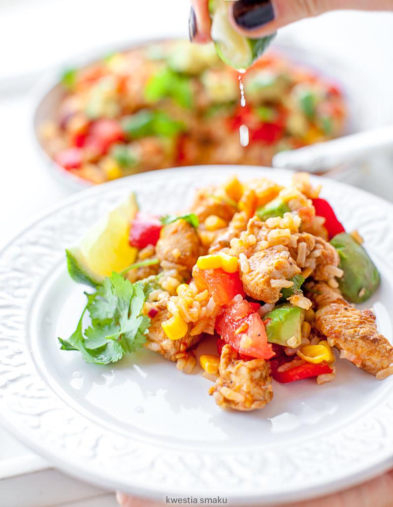 Ryż smażony z kurczakiem po meksykańsku